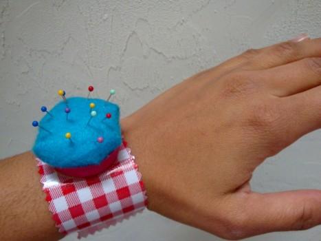 pincushion_bracelet-005