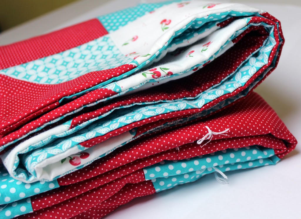 How to tie a quilt crafty gemini how to tie a quilt ccuart Image collections