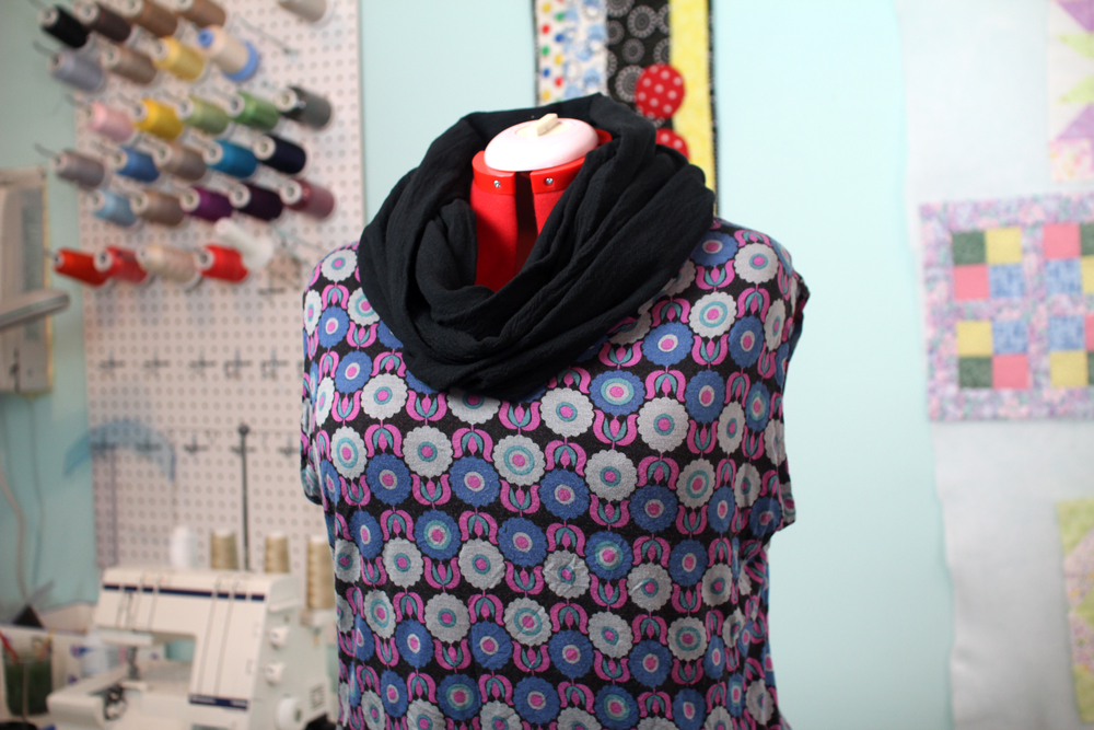 how to make an infinity scarf diy sewing tutorial