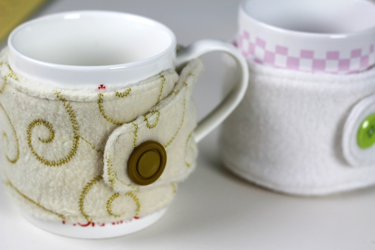 Fleece Mug Cozy- Video Tutorial - Crafty Gemini