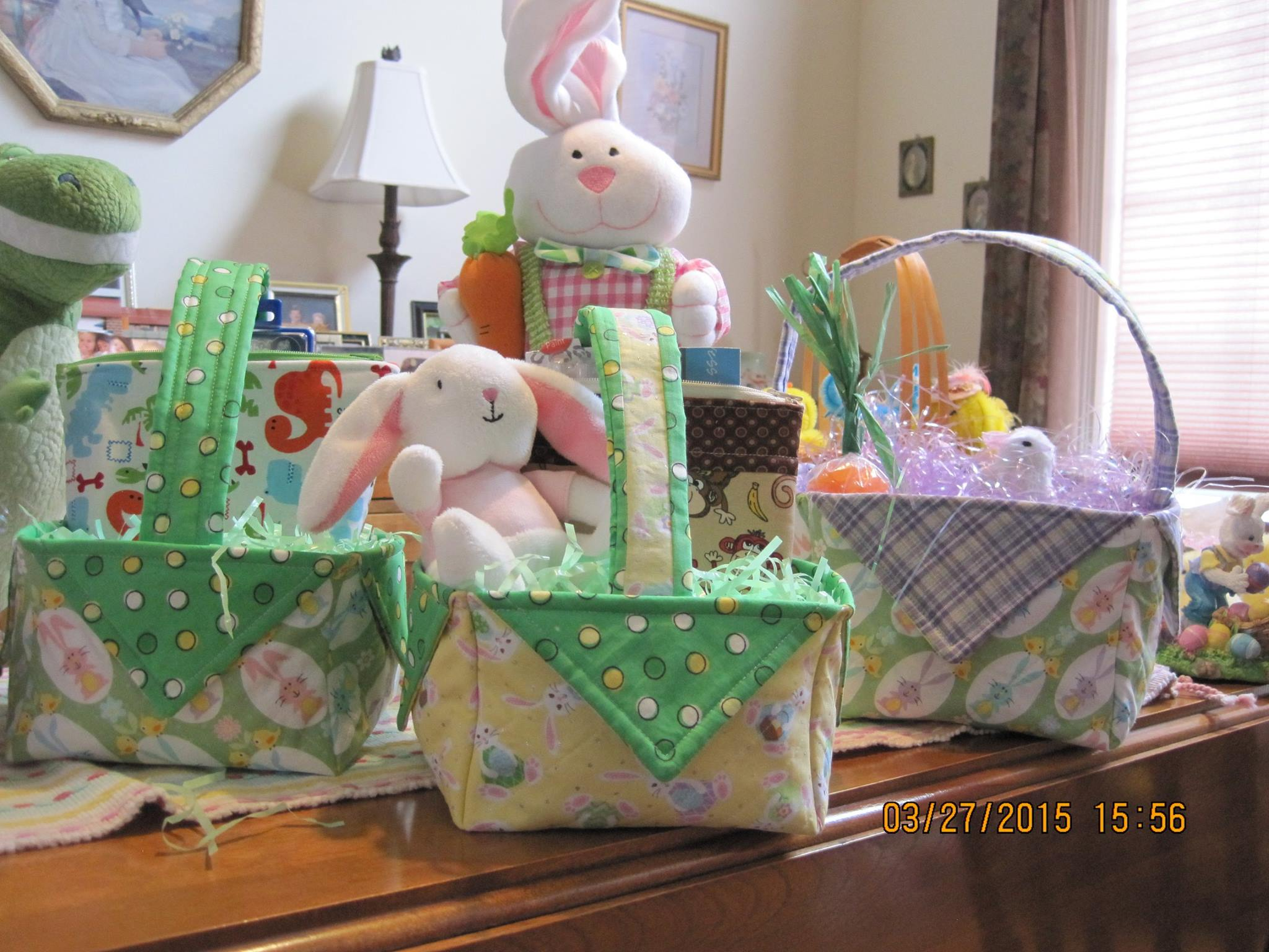 Diy fabric easter basket video tutorial crafty gemini check out the easter baskets quilt club member diane l made these are just too cute negle Images