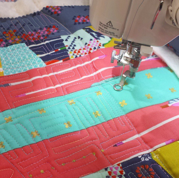 FREE MOTION QUILTING- Video Tutorial Series: Video #1 - Crafty Gemini : freehand quilting with sewing machine - Adamdwight.com