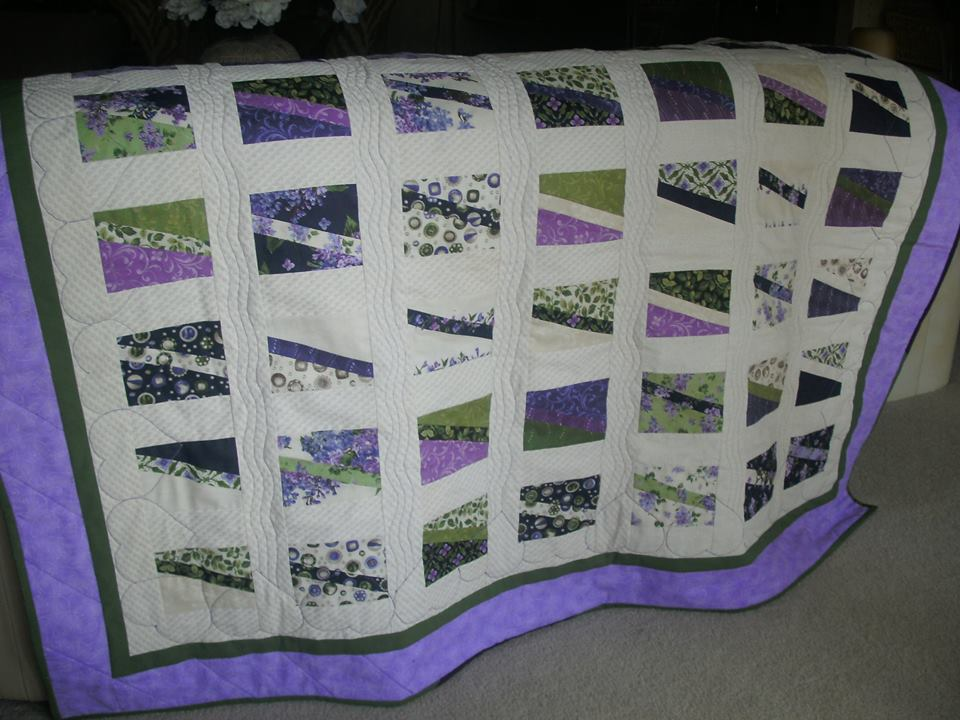 A beautiful quilt made with Crafty Gemini's Five inch slicer!