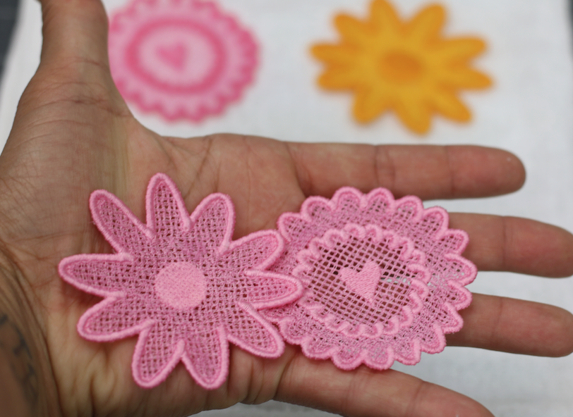 free standing lace design tutorial by Crafty Gemini