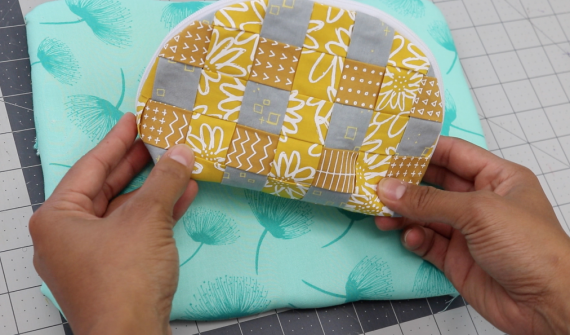 over-under pouch video course and pdf by crafty gemini with wefty needle