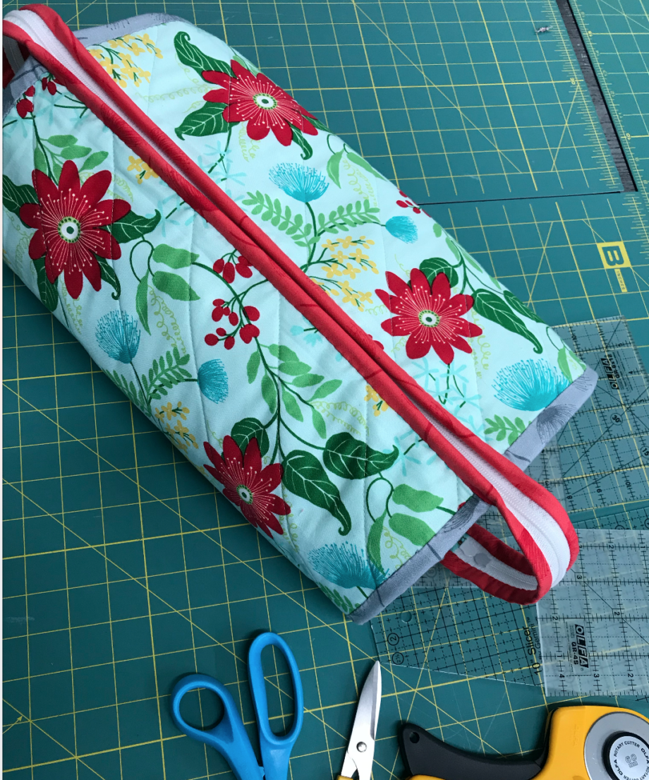 all rolled up tote pattern by Tammy Murphy of Color Me Quilted and class by crafty gemini