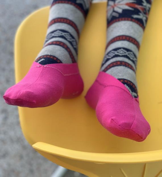 no-show slips socks free pdf pattern by crafty gemini