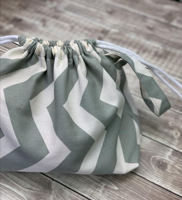 drawstring yarn project bag tutorial by crafty gemini