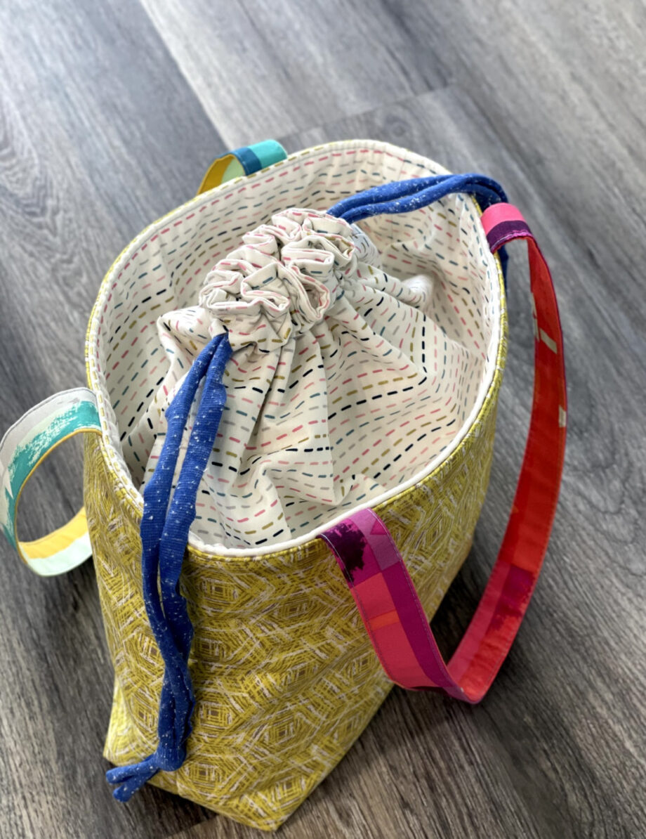 joya drawstring bag video course by Crafty Gemini